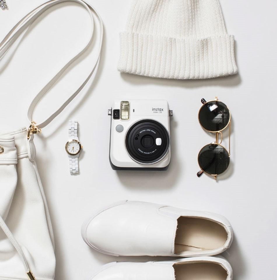 Fujifilm instax mini 70 instant film camera moon white for Housse instax mini 70